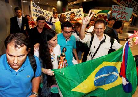 Protests greets Yoani Sanchez in Brazil