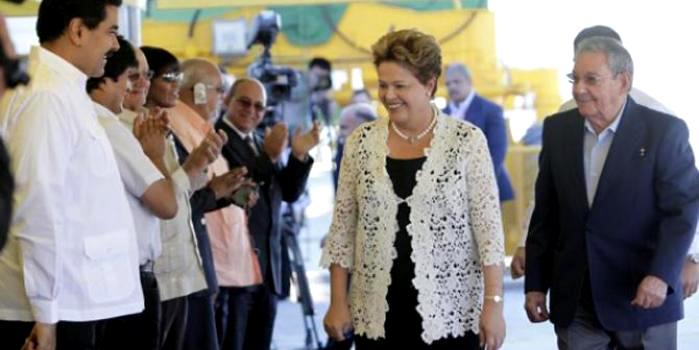 Dilma-rousseff-y-raul-castro-mariel-cuba3-580x375_0